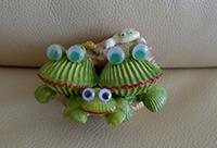 лягушки из ракушек