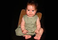 девочка научилась сидеть