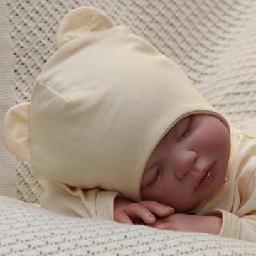 шапочка на ребенке