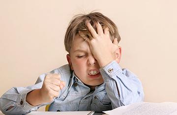 у ребенка головная боль