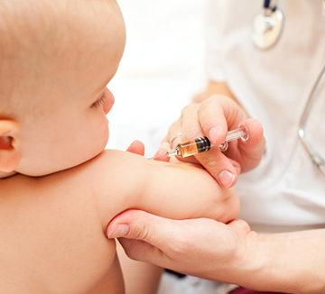 прививки грудничку