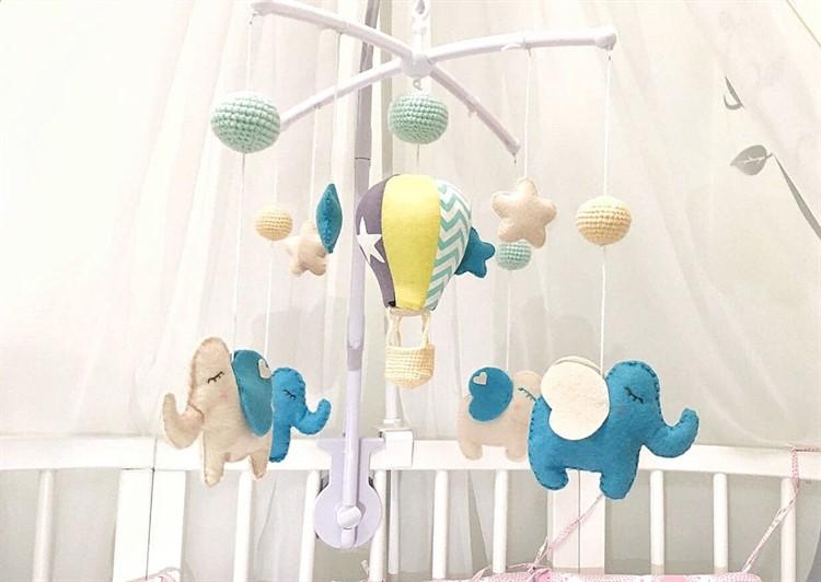 s1200_750x532 Мягкие игрушки в кроватку для новорожденных: что купить для сна и развития